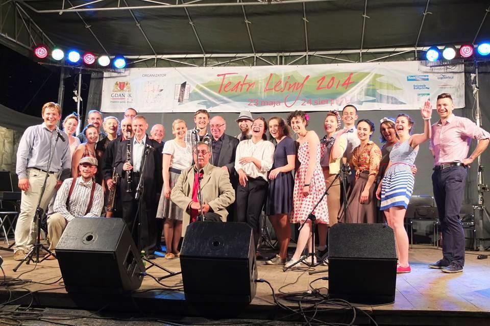 Swing Revolution  i Old Timers zgrany duet po koncercie i tańcach w Teatrze Lesnym żegnają się z publicznością
