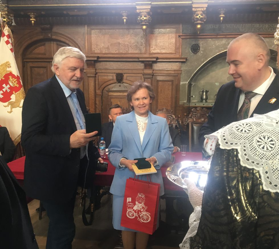 Dwor Artusa Odznaczeni Medalem Prezydenta Gdańska IMG_0118