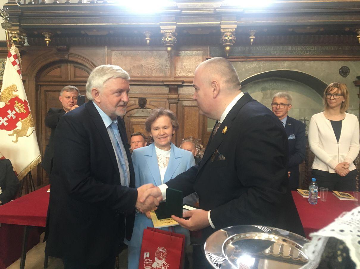 Dwór Artusa Wręczenie Medal Prezydenta Gdanska IMG_0116