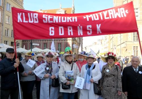 """Klub Seniora """"Motława"""" ożywia działalność! Oby uśmiech jak najczęściej gościł na naszych twarzach"""